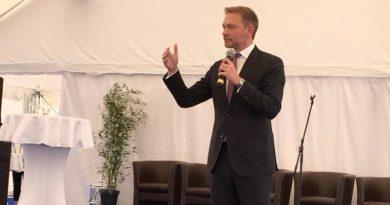 FDP Bundesvorsitzender Christian Lindner lobt Mittelstand aus Stendal